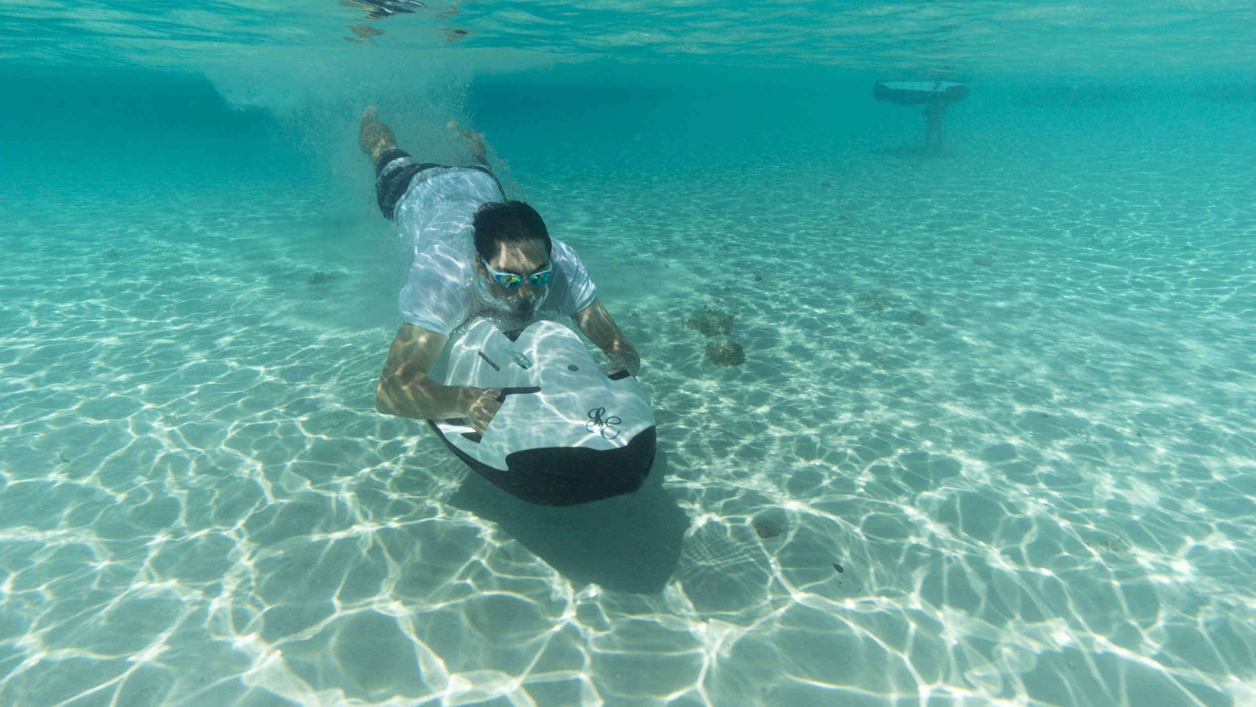 jason-decaires-taylor-Atlas-Yacht-sweet-escape-charter-dive-snorkle-activities-destinations-bahamas-luxury-eco-tourism-mdermaid-copperfield-rudder-cut-cay-exuma-sea-bobs