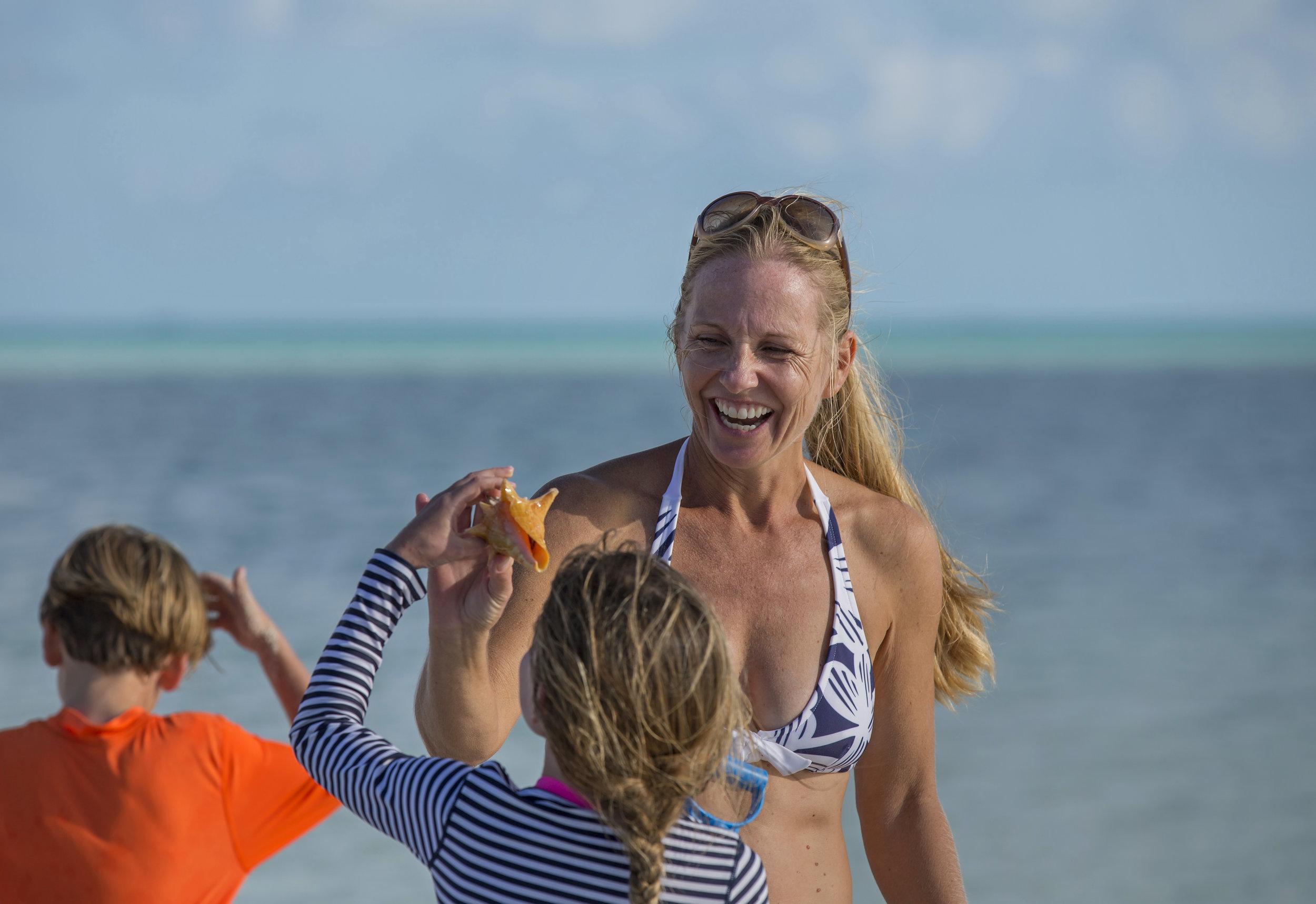 jason-decaires-taylor-Atlas-Yacht-sweet-escape-charter-dive-snorkle-activities-destinations-bahamas-luxury-eco-tourism-mdermaid-copperfield-rudder-cut-cay-exuma-shells-sand-bar-bank