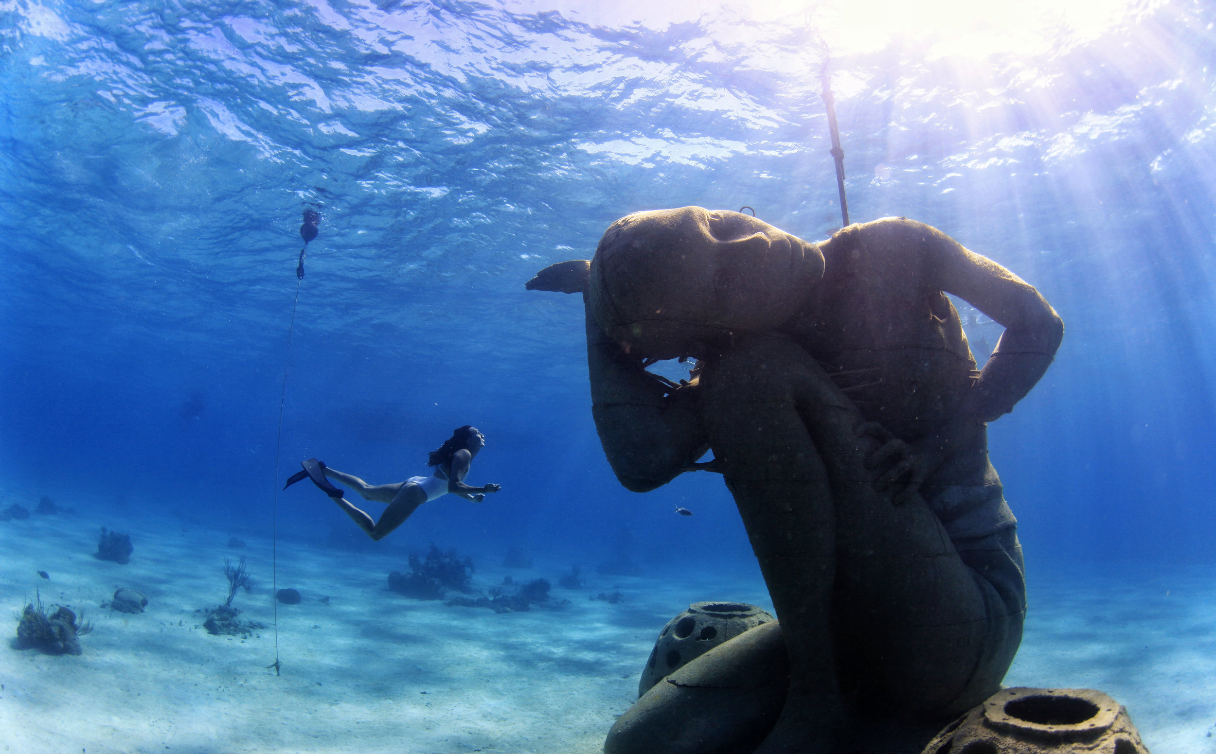 scuba-snorkel-bahamas-treasure-padi-stuart-cove's-will-smith-youtube-dive-temperature-bahamas-water-blue-ocean-seas-wetsuit-goggles-fins-tank-regulator-shallow-blake-lively-nurse-sharks-underwater