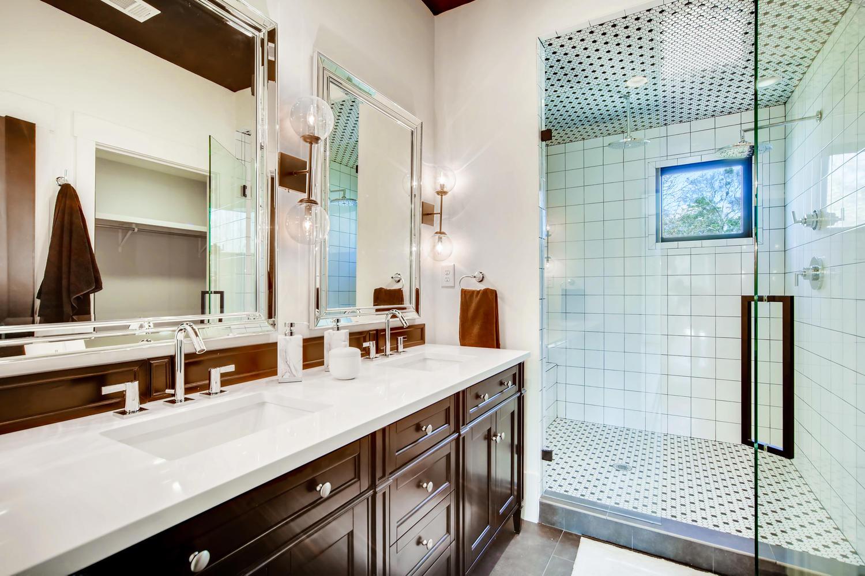 2724 Tupelo St SE Atlanta GA-large-017-16-Master Bathroom-1500x1000-72dpi.jpg