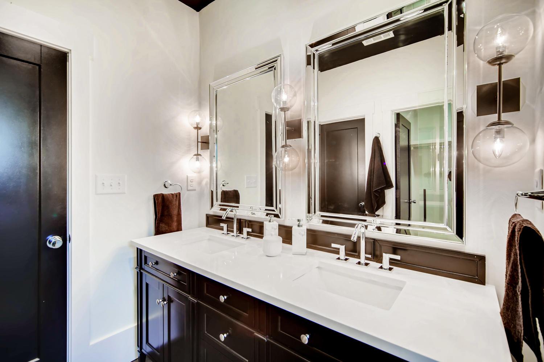 2724 Tupelo St SE Atlanta GA-large-020-19-Master Bathroom-1500x1000-72dpi.jpg