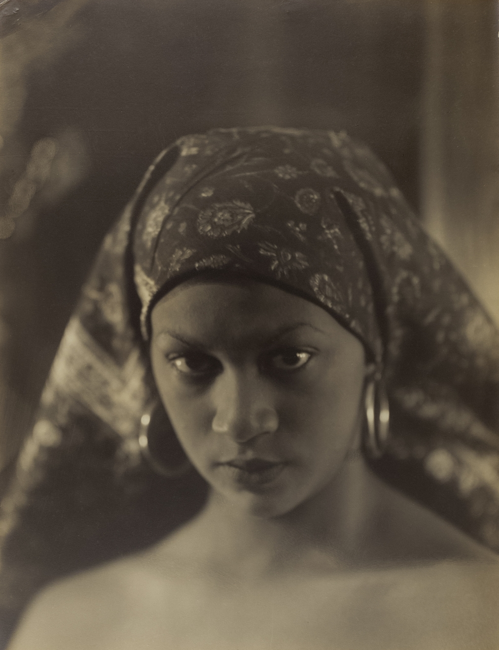 Photography Collection: Women in Focus, 1920s–1940sCurated by Julie CrooksApril 27–November 10. Art Gallery of Ontario, 317 Dundas St W - image: Violet Keene Perinchief, African Appeal, around 1935. Courtesy Stephen Bulger Gallery © The Estate of Violet Keene Perinchief/Stephen Bulger Gallery.