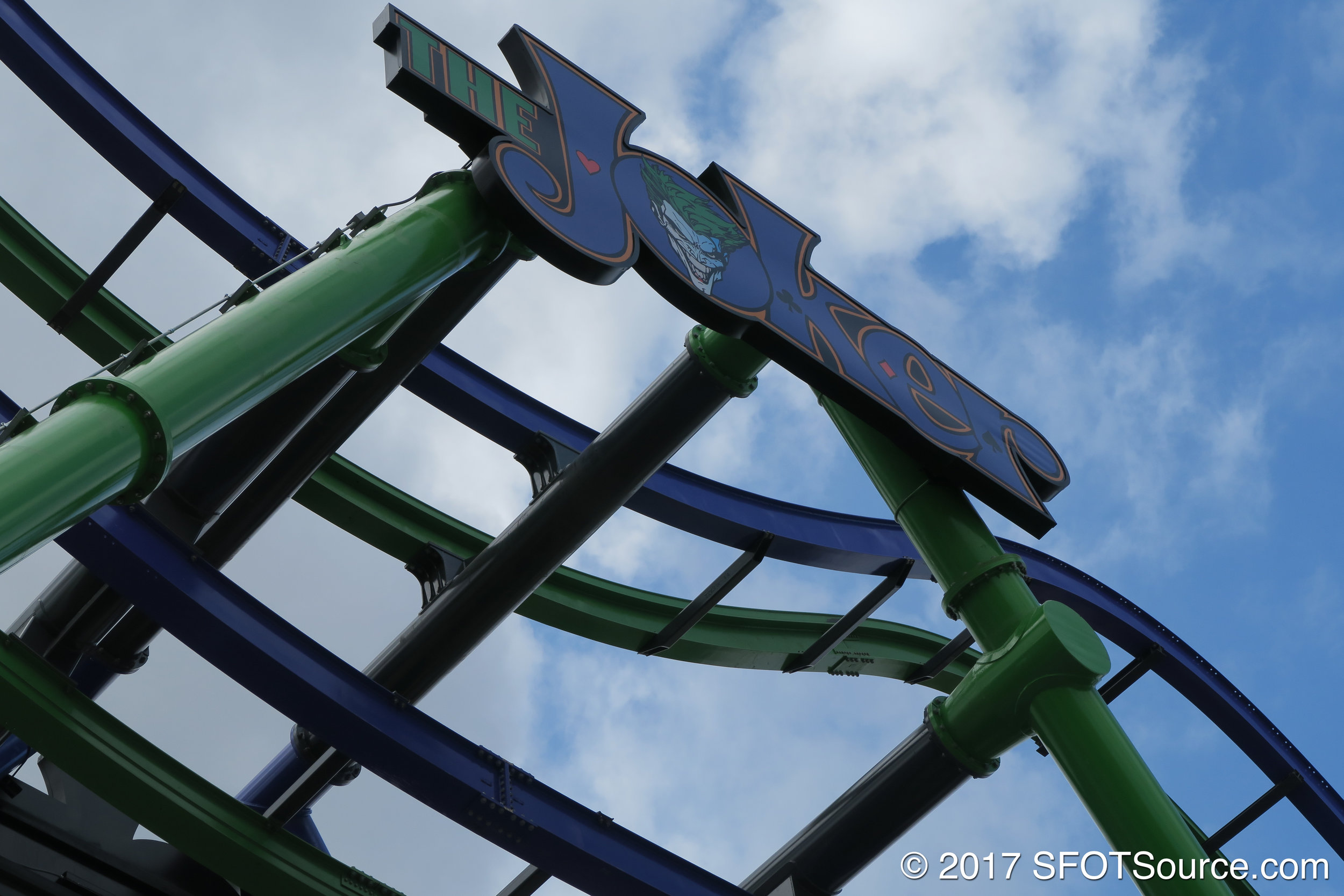 The Joker logo sitting atop the ride structure.