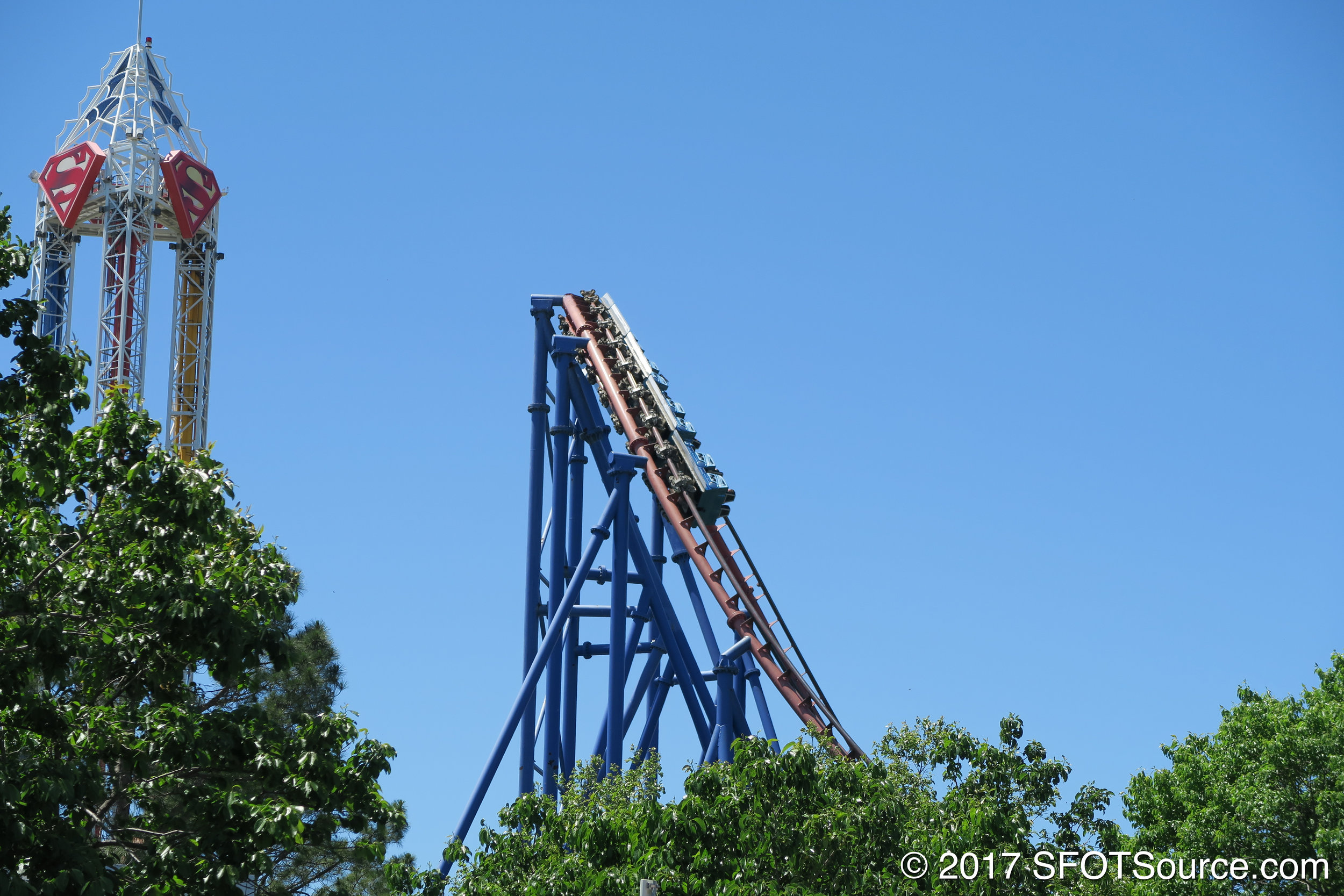 Mr. Freeze features an over-banked turn.