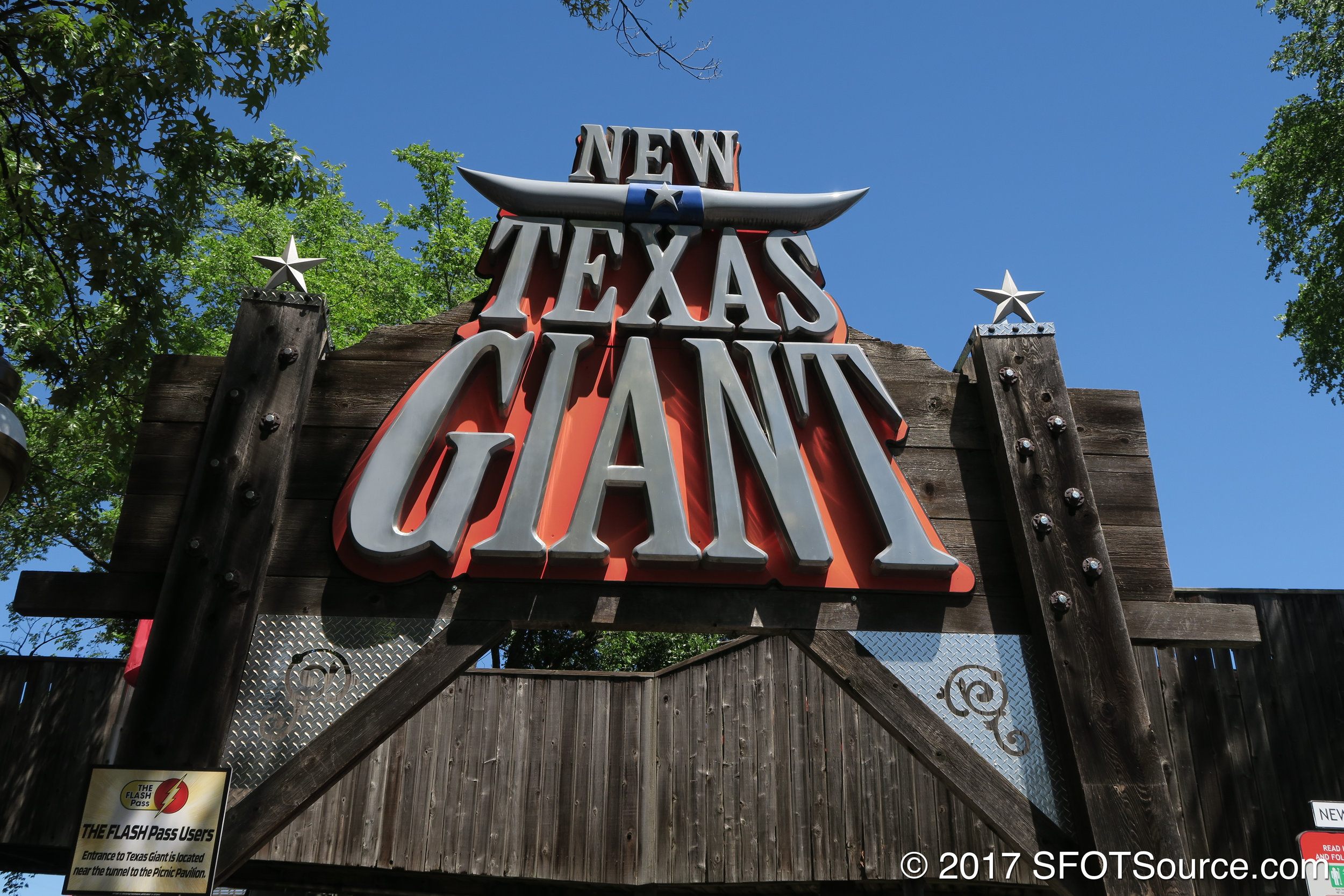 The main entrance and signage to New Texas Giant.