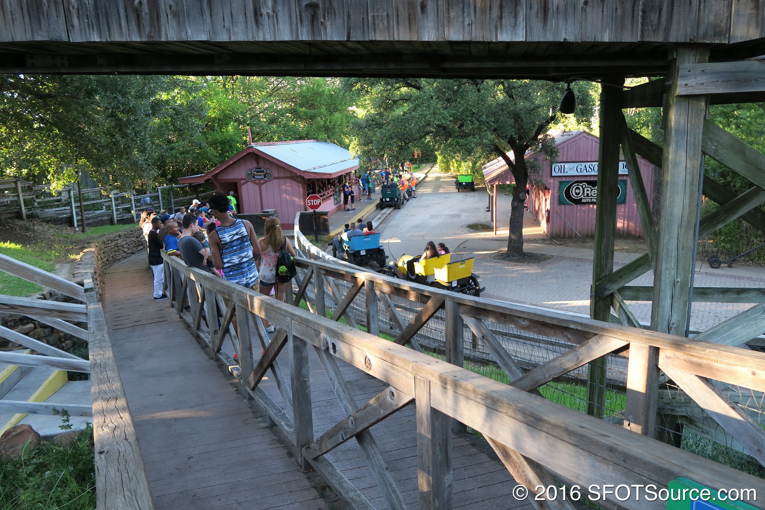 The queue line to the ride.