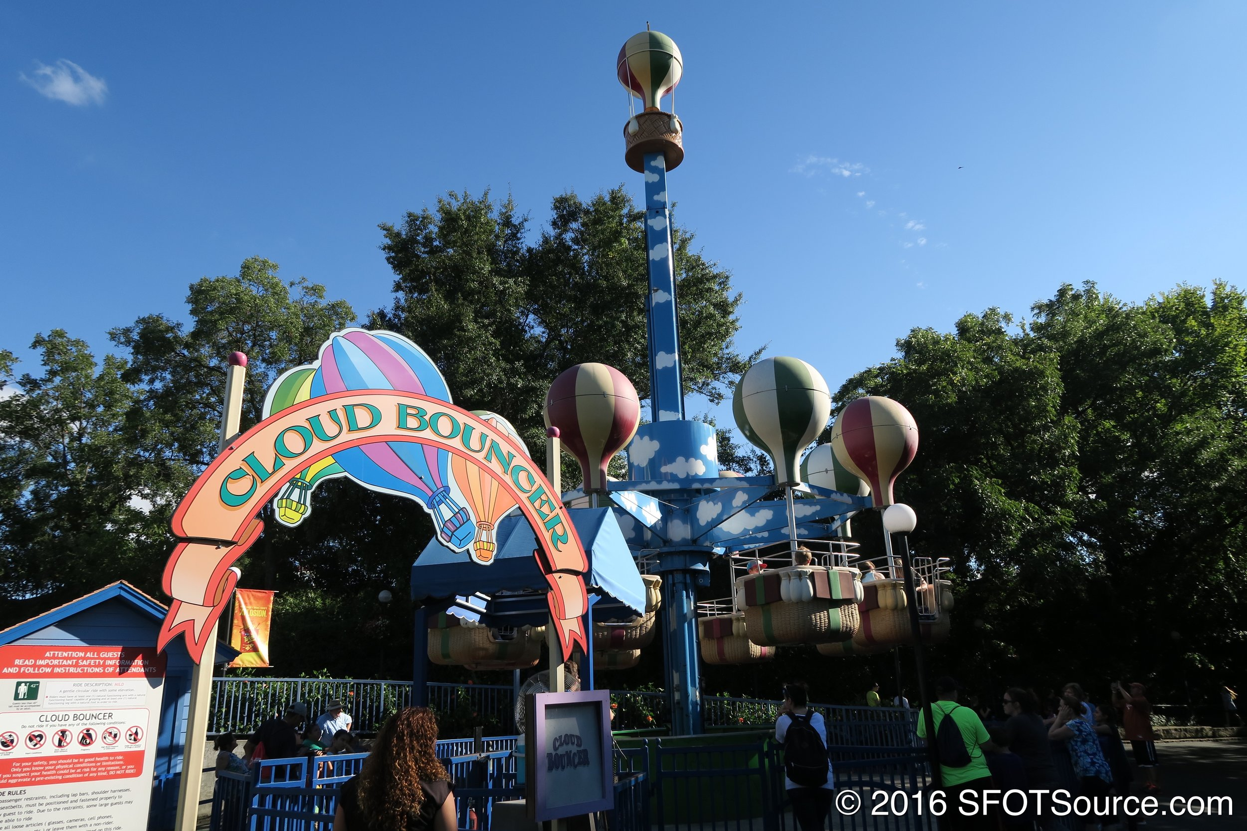 The entrance to Cloud Bouncer.