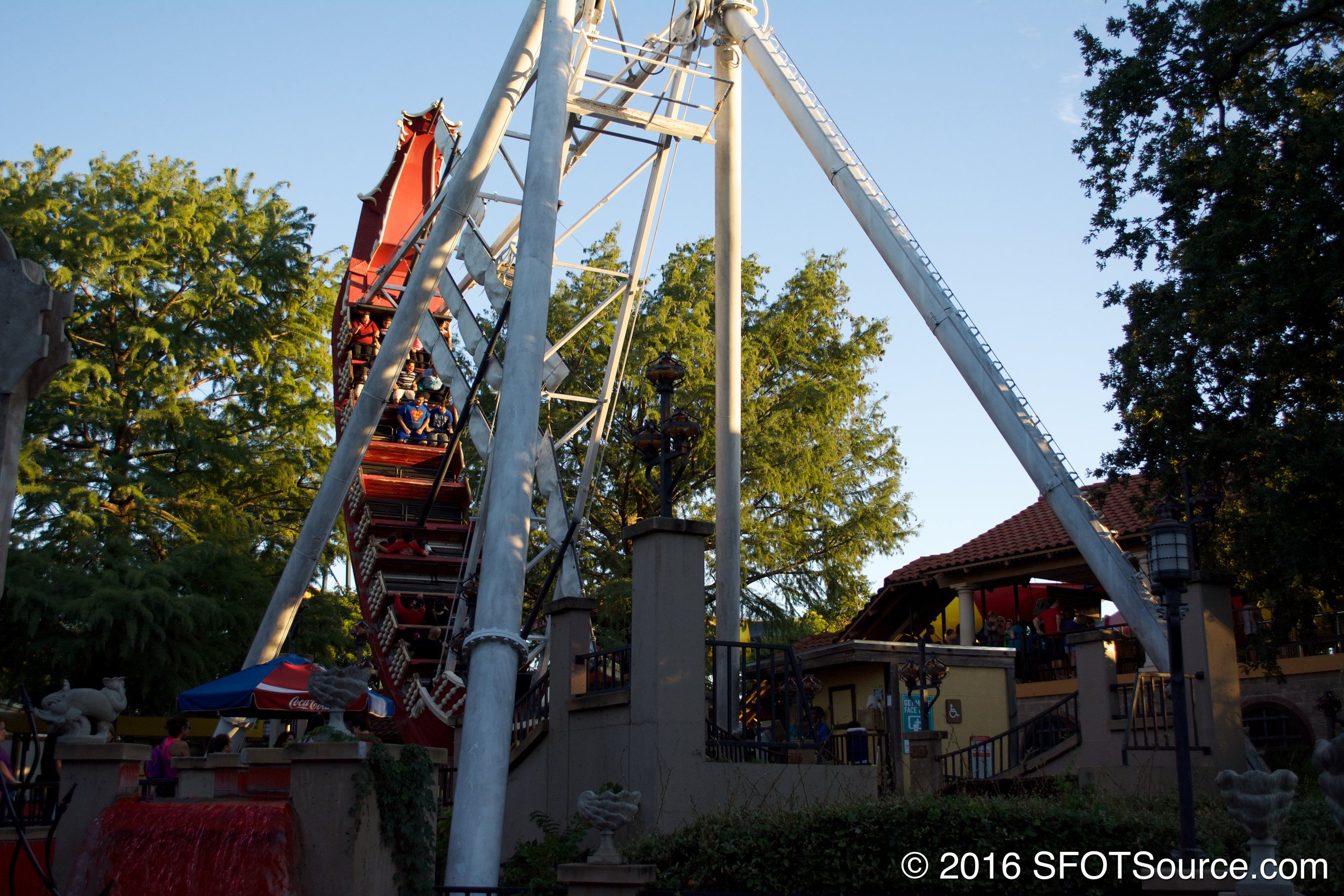 Conquistador is a classic swinging ship attraction.