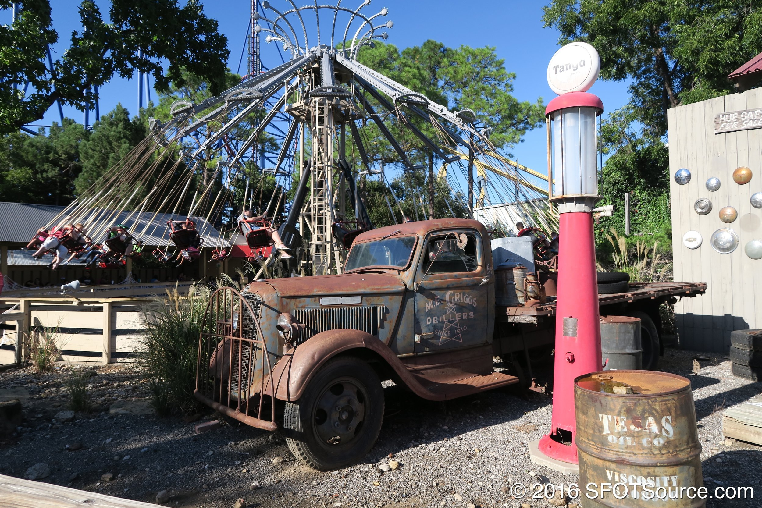 The ride is situated in the park's Boomtown section.