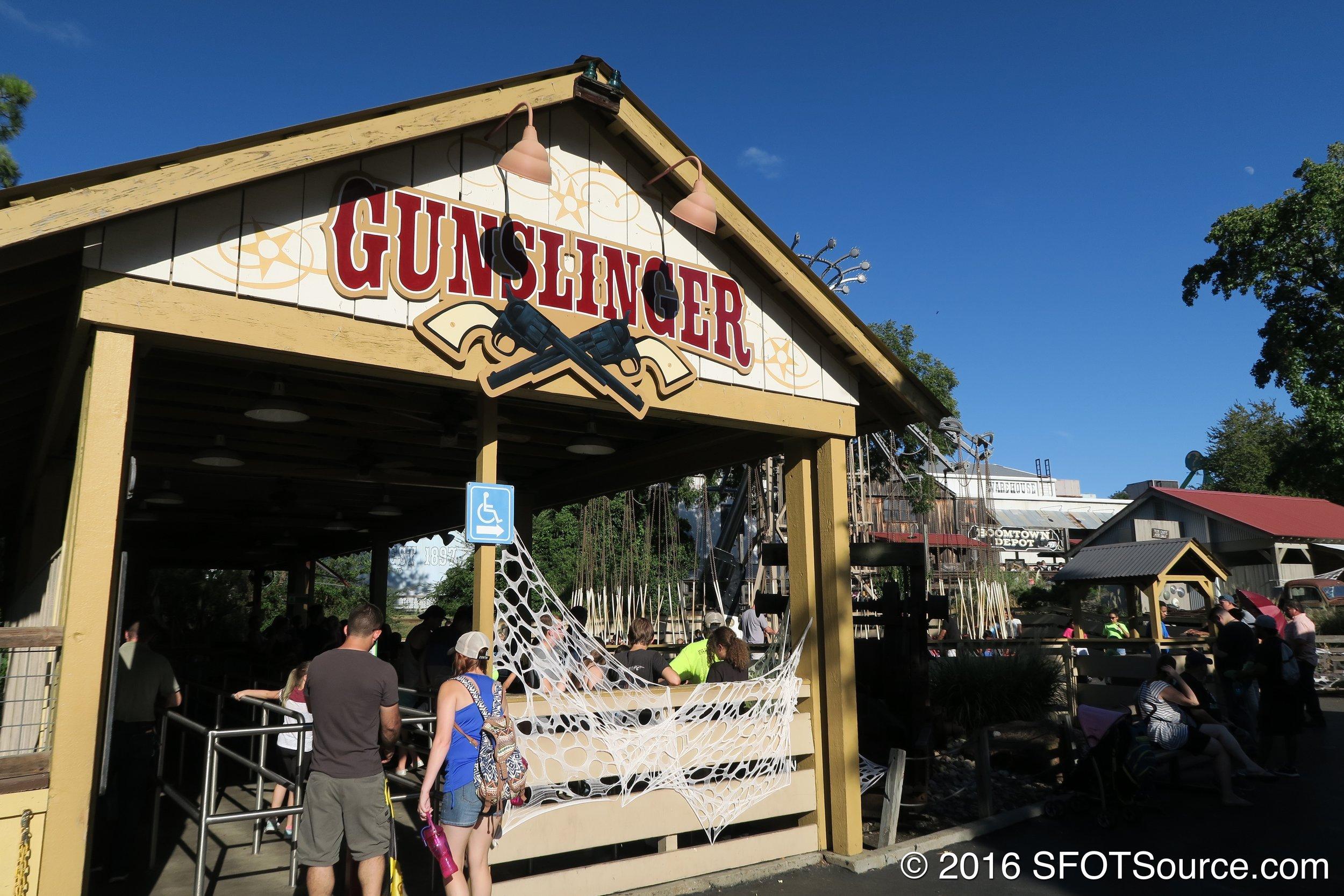 The main entrance to Gunslinger.