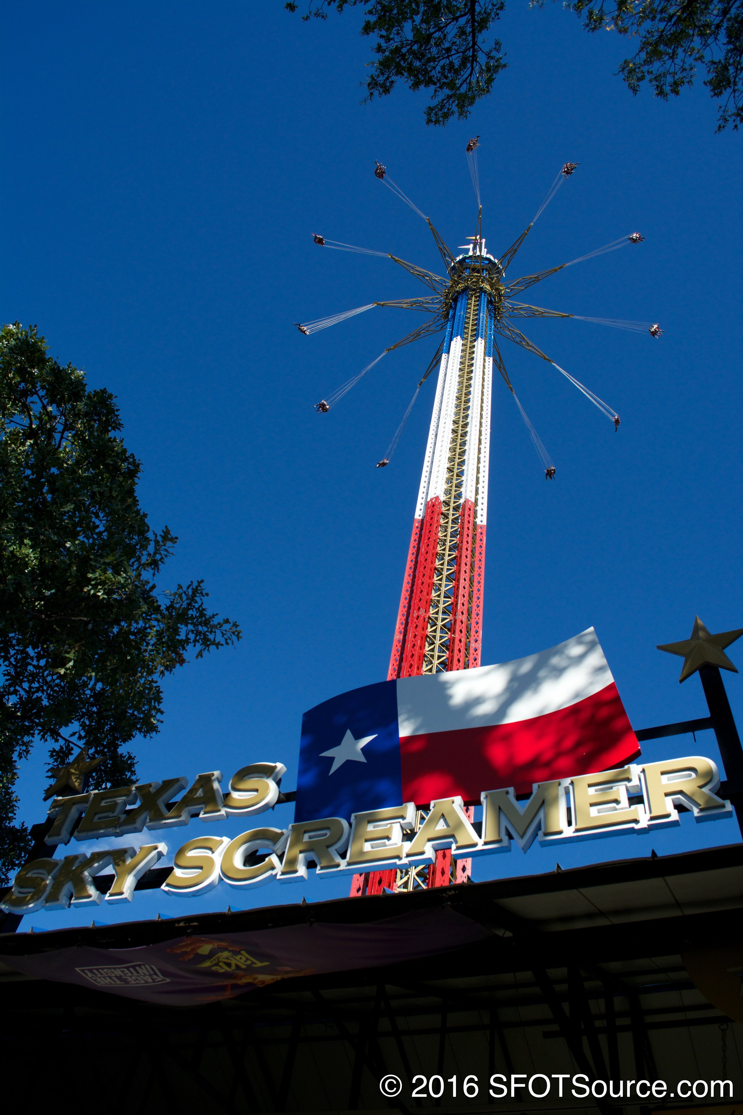 Texas SkyScreamer carries a red, white, and blue color scheme.
