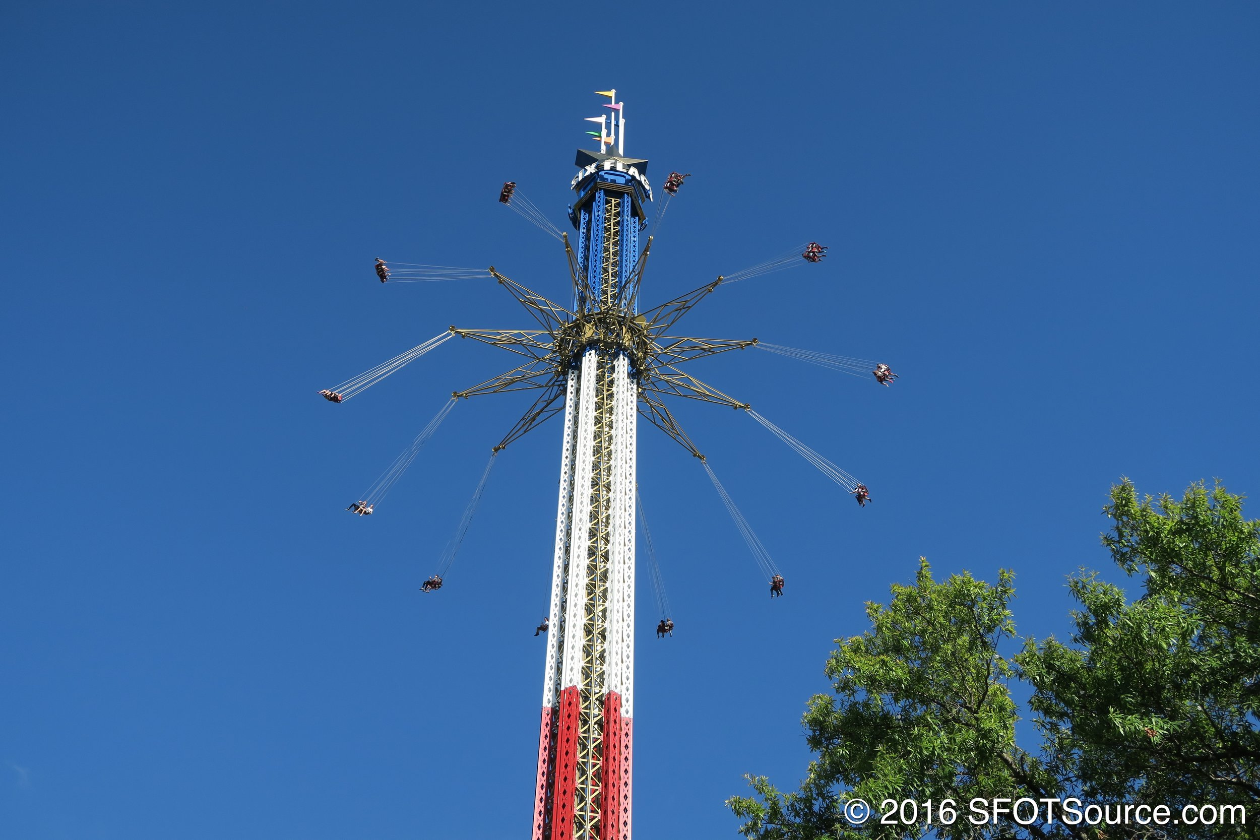 The ride stands at 400 feet tall.