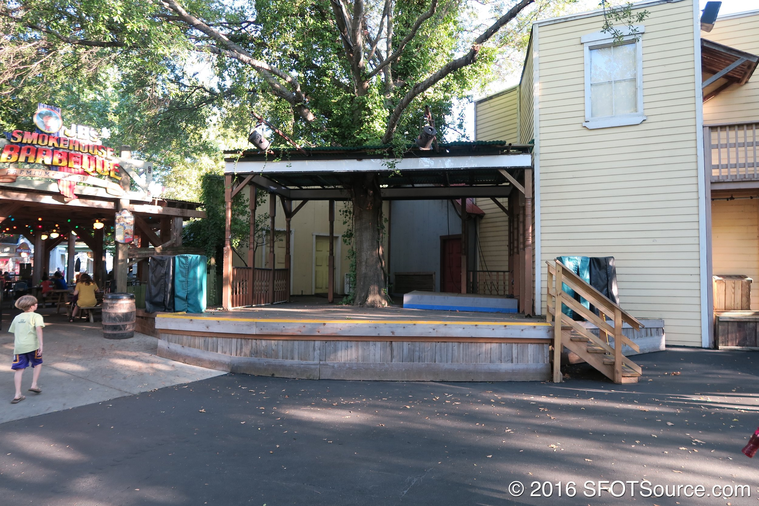 Back Porch Stage is an outdoor stage in Texas.