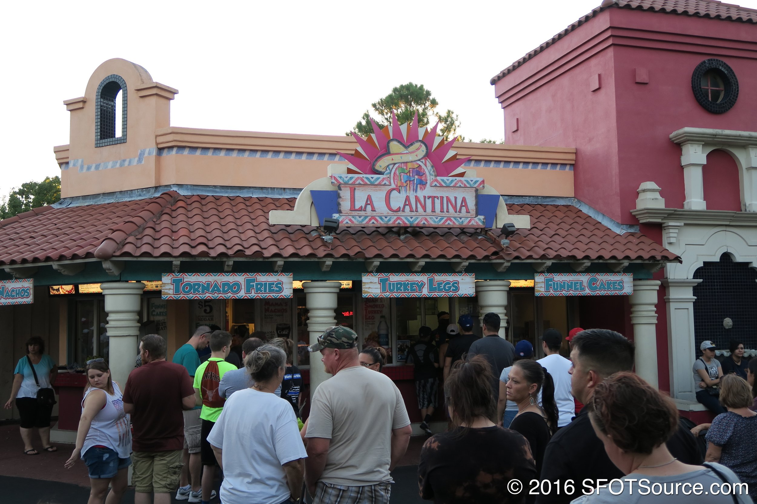 La Cantina is an outdoor restaurant.