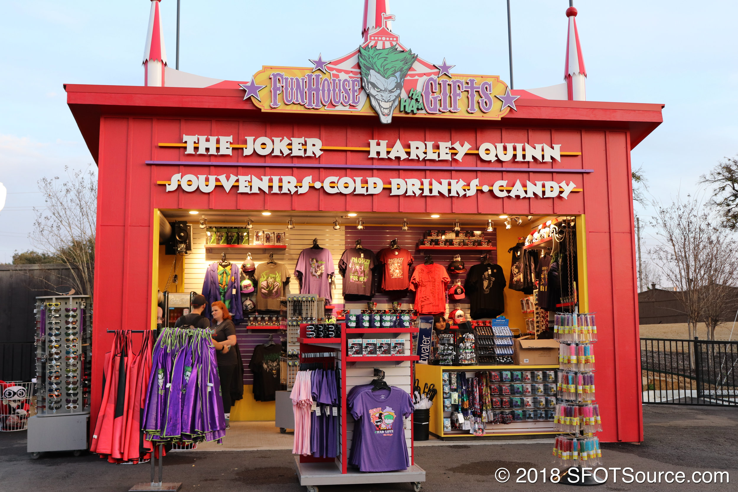 Fun House gifts is an outdoor gift shop.