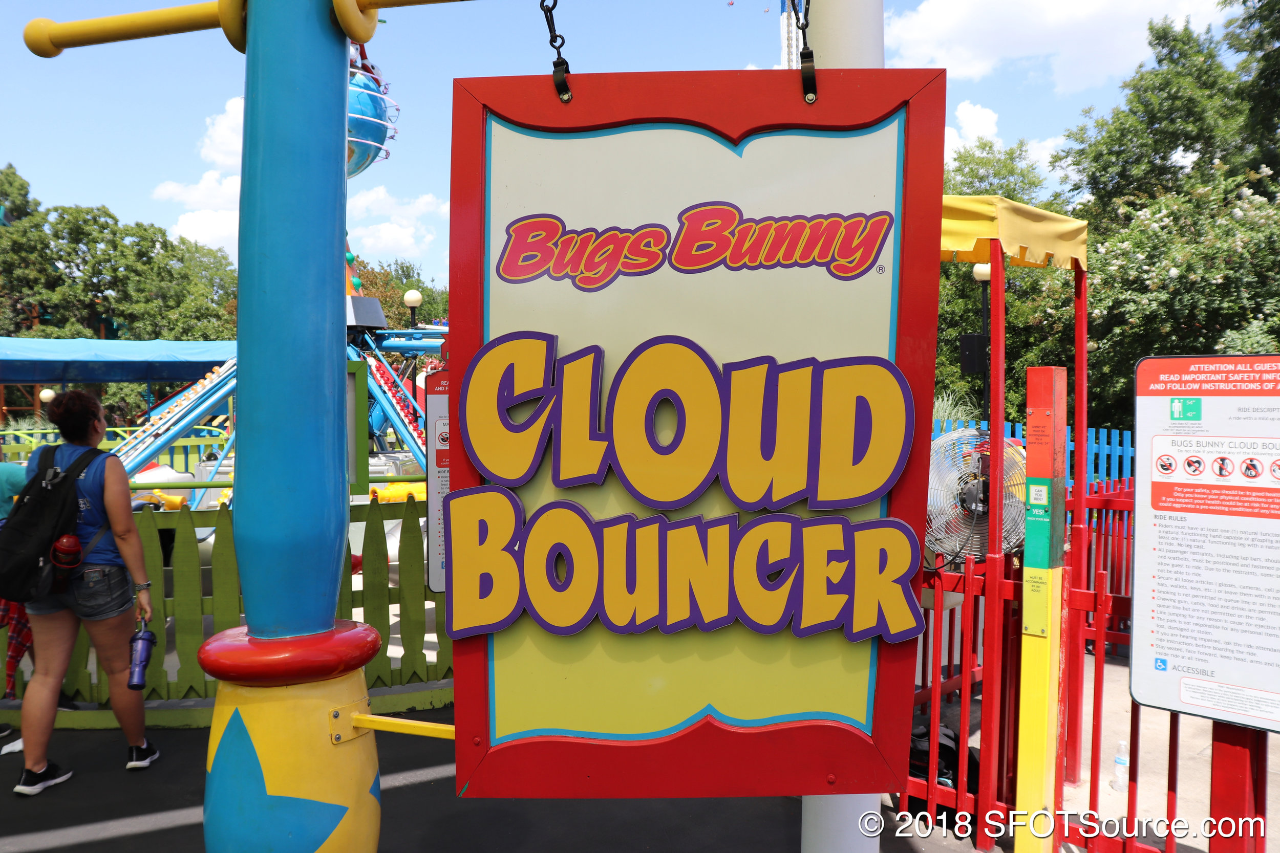 The main entrance to Bugs Bunny Cloud Bouncer.