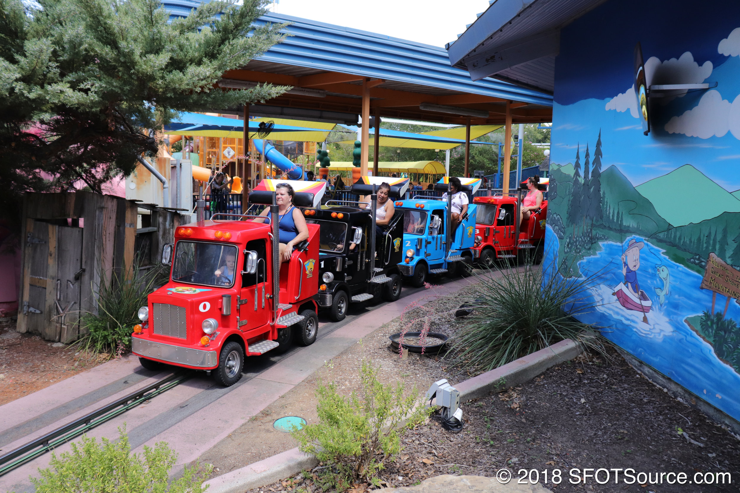 The attraction is located in Bugs Bunny Boomtown.