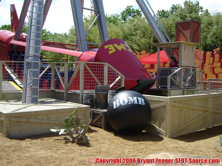 More heavy theming found on ACME Rock-n-Rocket.