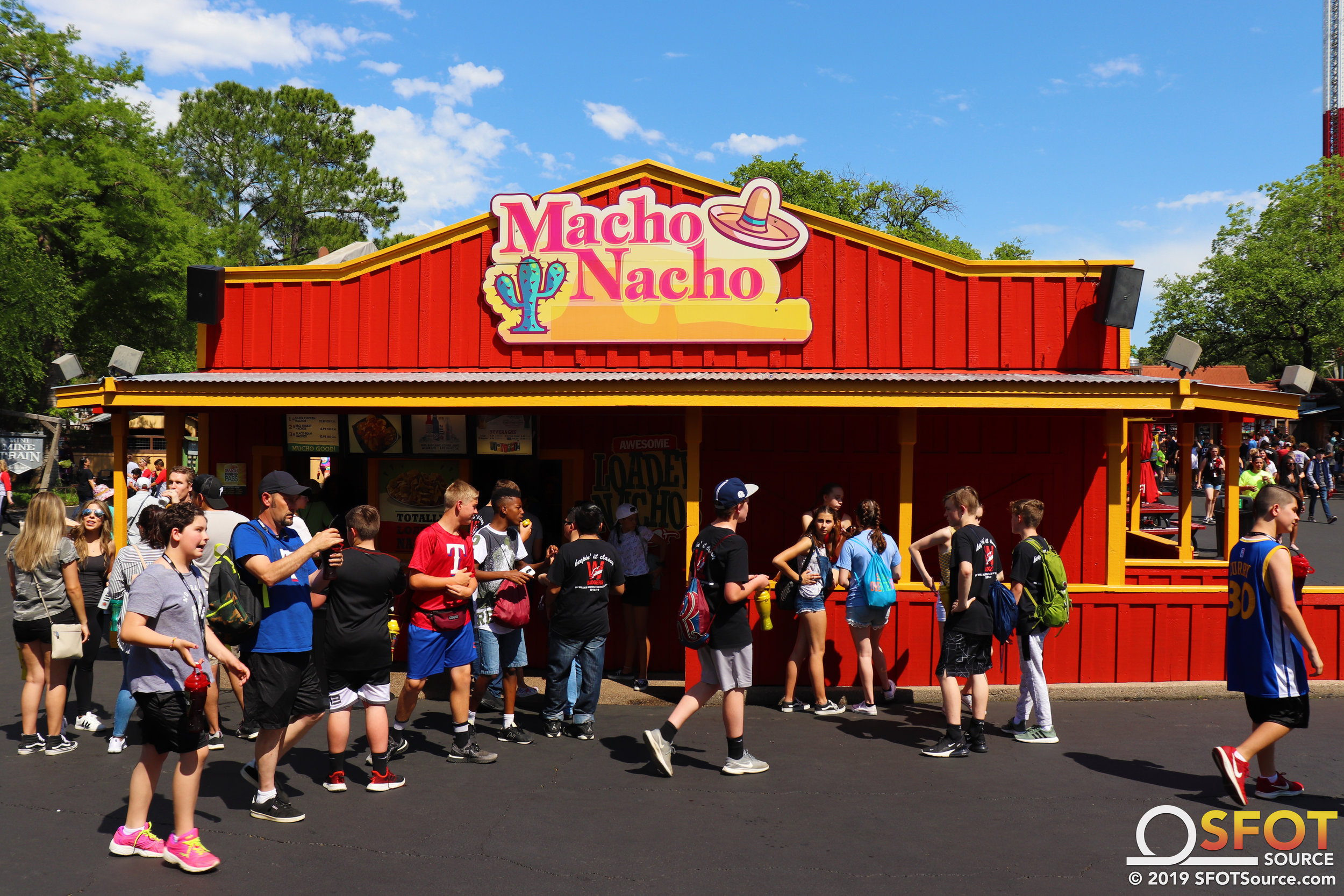 Macho Nacho has an outdoor seating area available.
