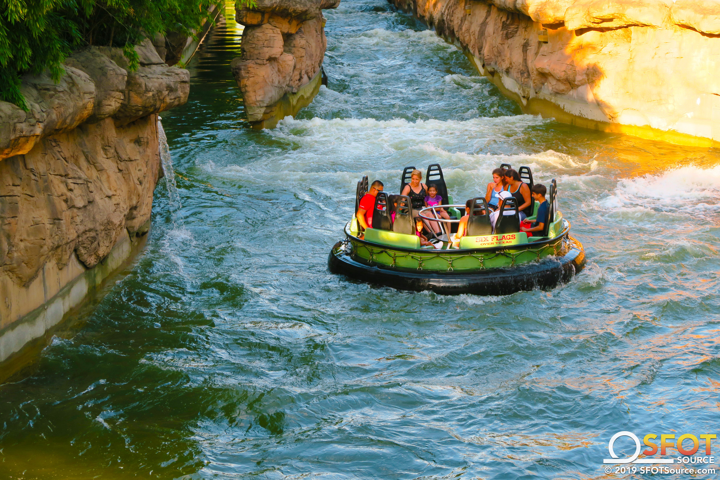 Most passengers are guaranteed to be soaked during the ride cycle.