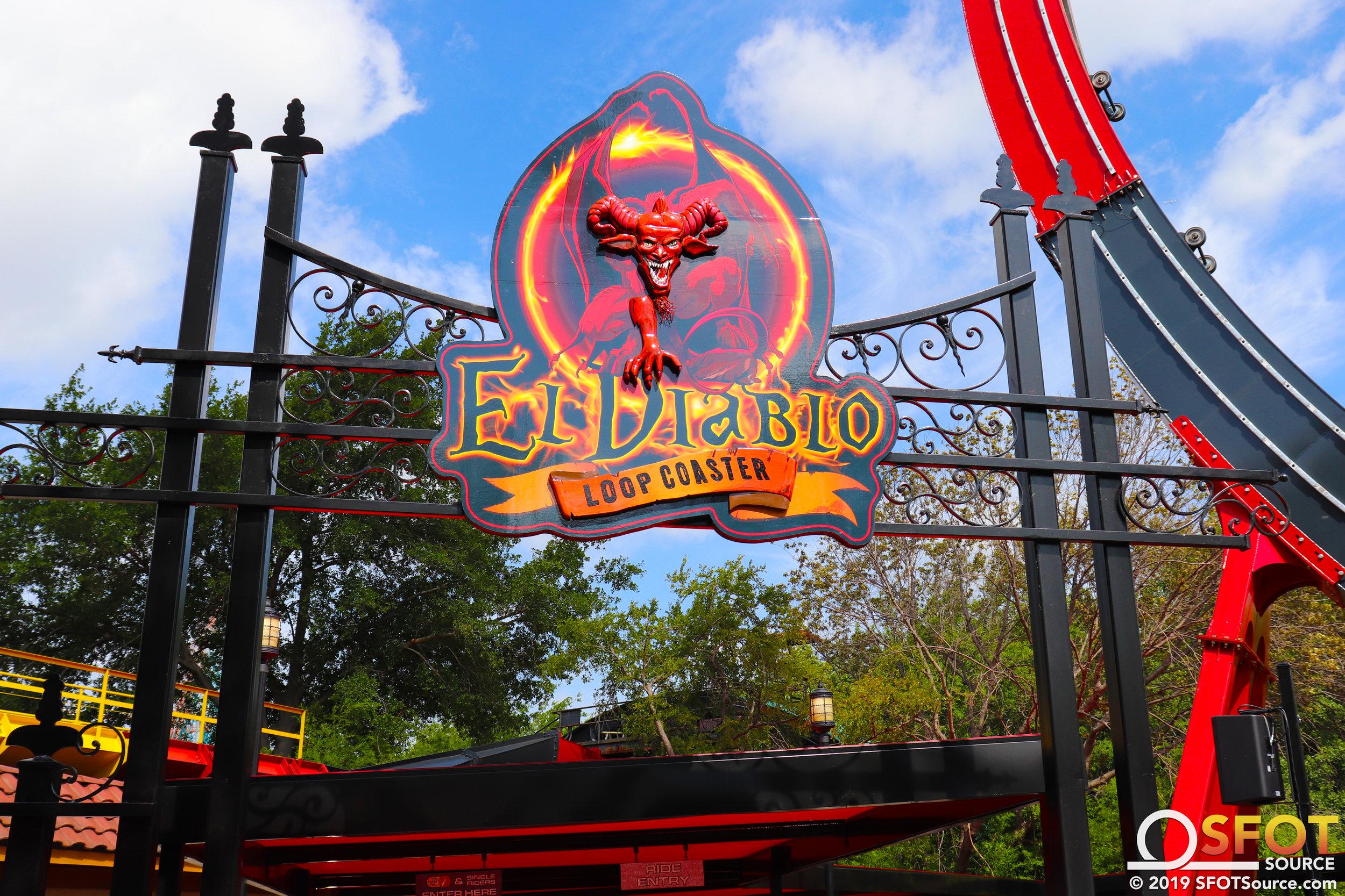 The main entrance to El Diablo.