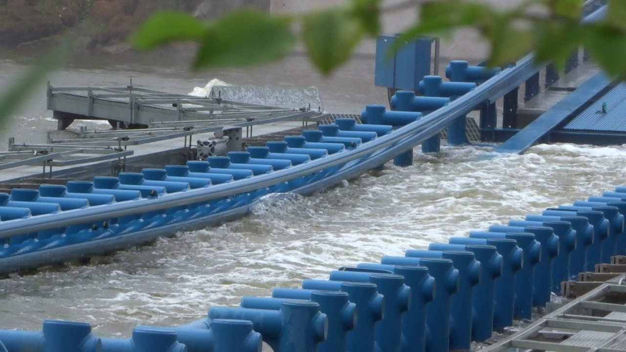 Water flow within this area of track is controlled by pumps.