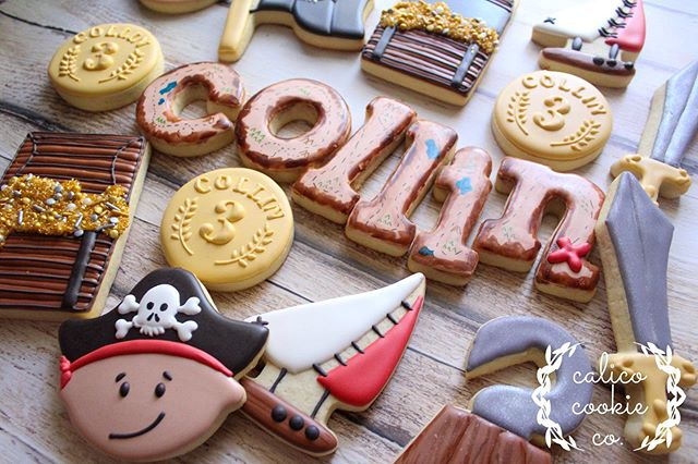 Arr ya ready kids? #cookiesofinstagram . . . . . #instacookie #cookiedecorating #decoratedcookies #decoratedsugarcookies #sugarcookies #royalicing #royalicingcookies #cookieart #cookies #customcookies #wiltonbakes #americolor #annclarkcookiecutters #imsomartha  #bestofgainesville #whyilovegnv #gnvbakes #cookiesofflorida #floridacookiers #gainesvillecookies #piratecookies #treasurechestcookies #sailboatcookies #pirateparty #birthdayparty #thirdbirthday