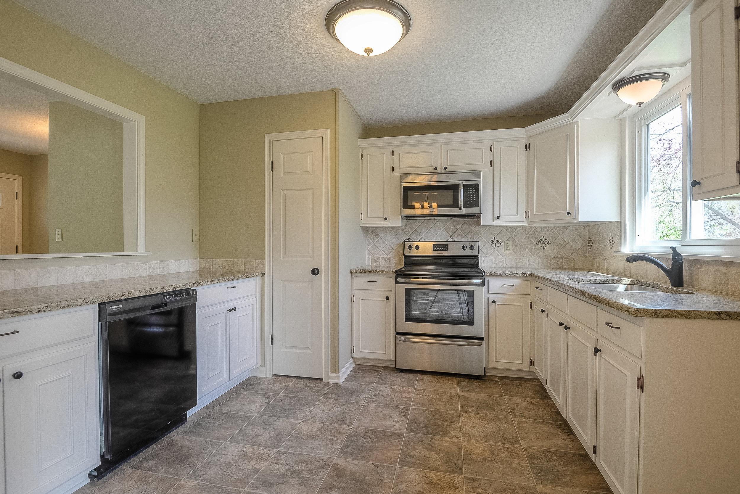 117th - Kitchen.jpg