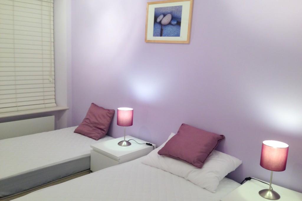 Twin room HV.jpg