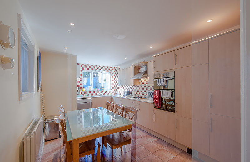 SR Kitchen 1.jpg