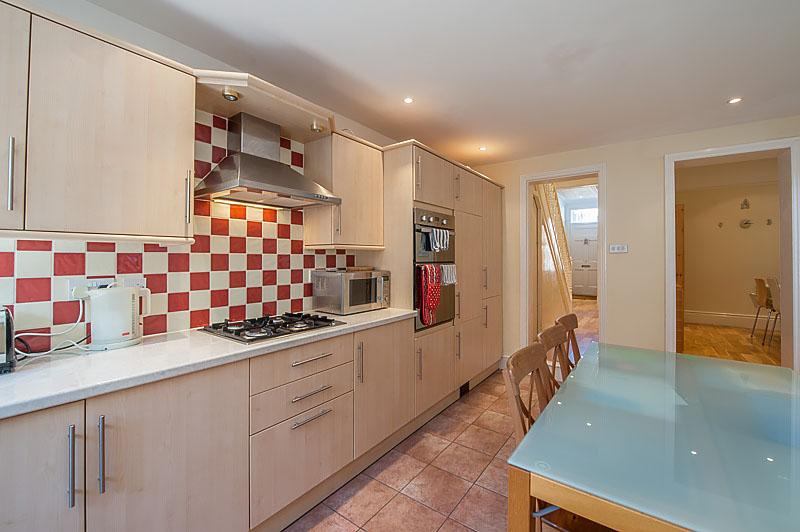 SR Kitchen 3.jpg