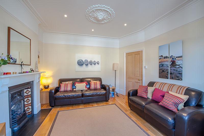 SR Living area 2.jpg