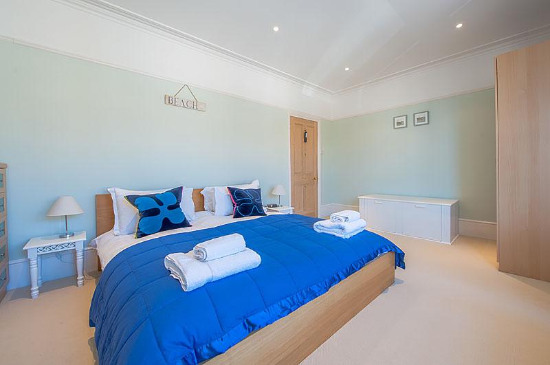 SR master bedroom .jpg