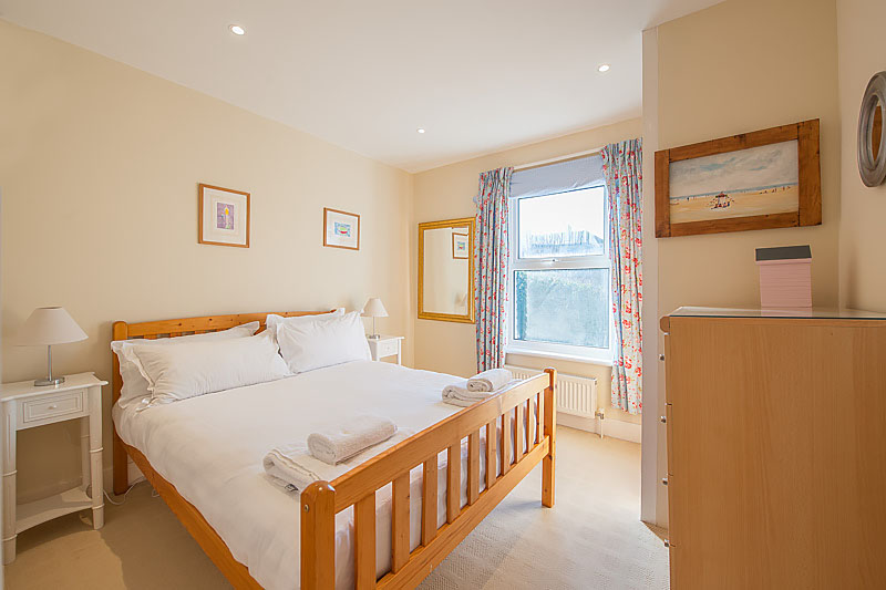 SR Second bedroom 3.jpg