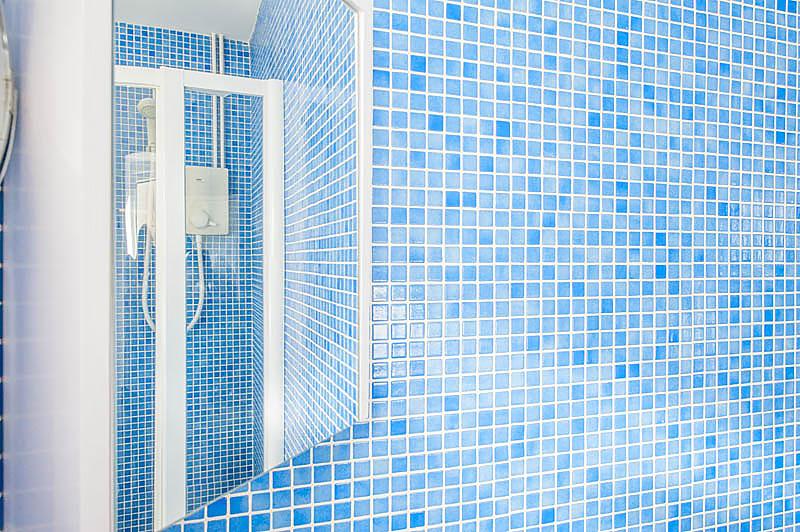 SR Shower room 1.jpg