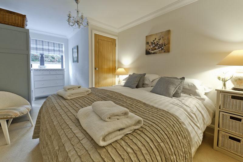 LS master bedroom 2.jpg