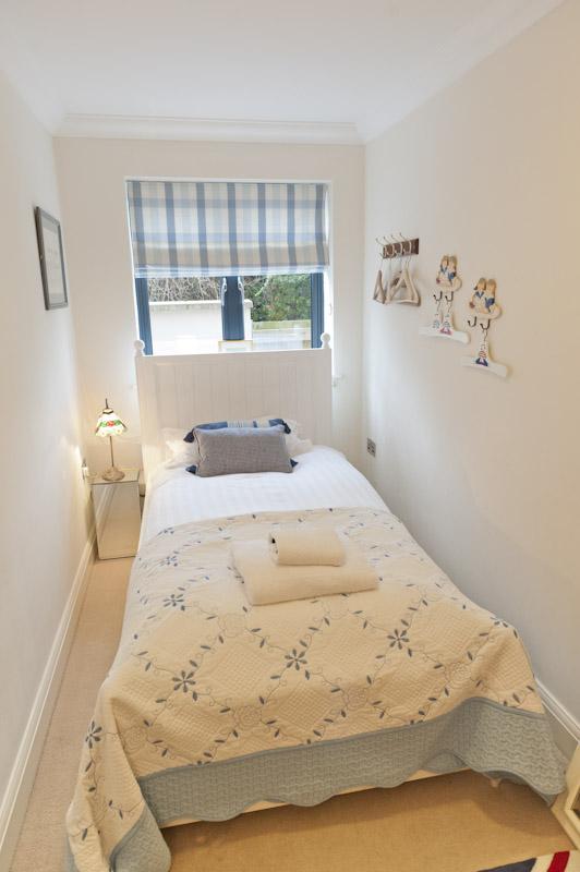 LS Single bedroom .jpg