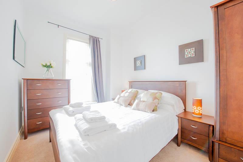 SS bedroom 1.jpg