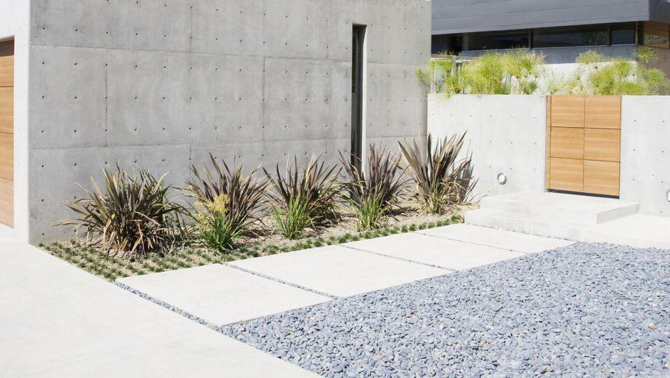 Modern-Concrete-Paver-Walkway-88621733-56a4a1345f9b58b7d0d7e5d0.jpg