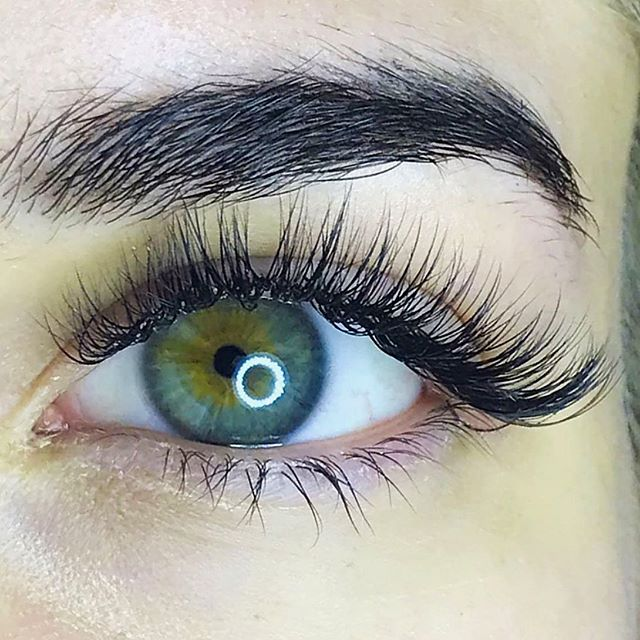 👁 lashes by our girl @alliemodee