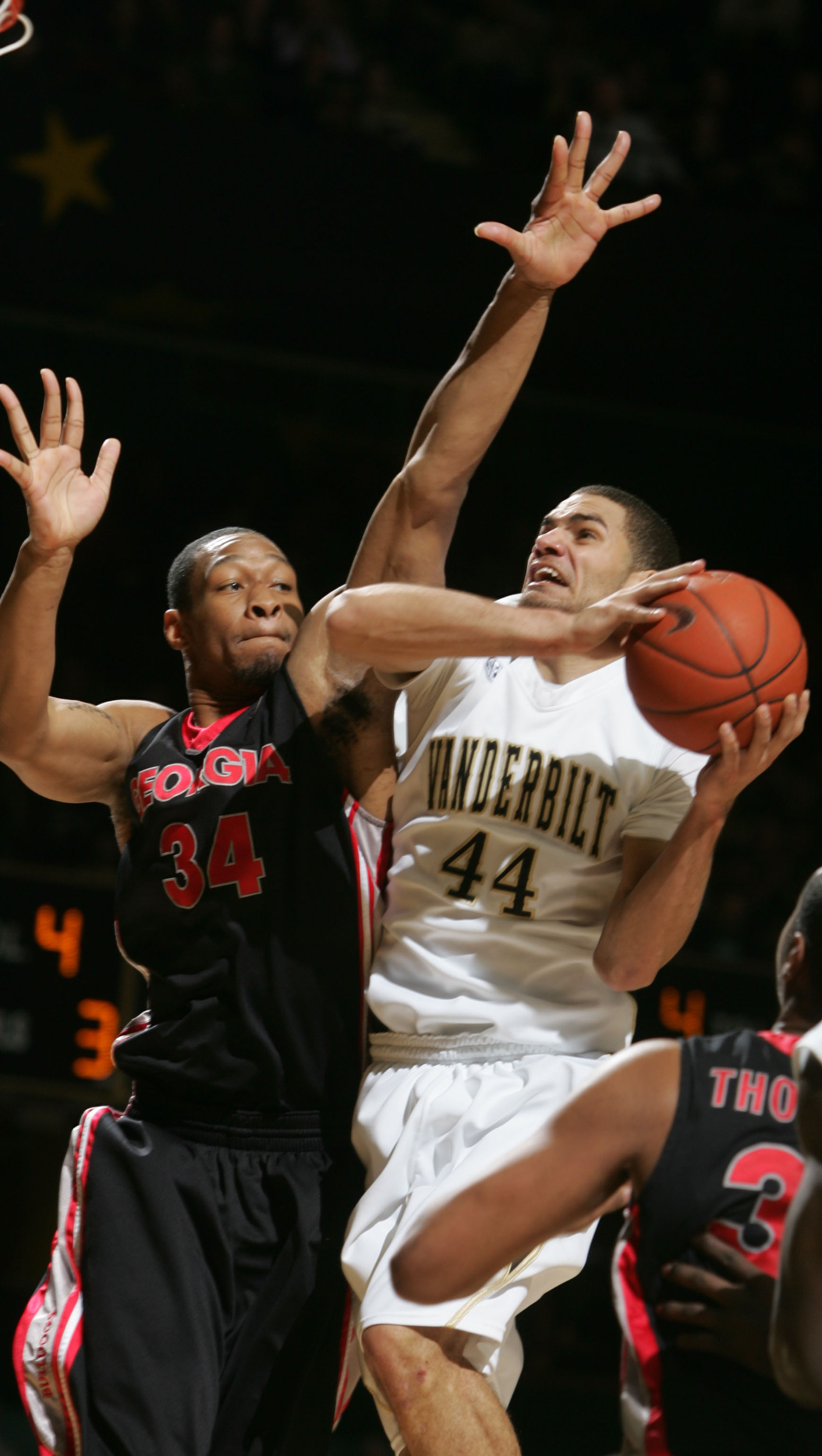 Vanderbilt's Jeffery Taylor (44) goes to the net as Georgia's Albert Jackson (34) guards Thursday, February 25, 2010 in Nashville, Tenn.