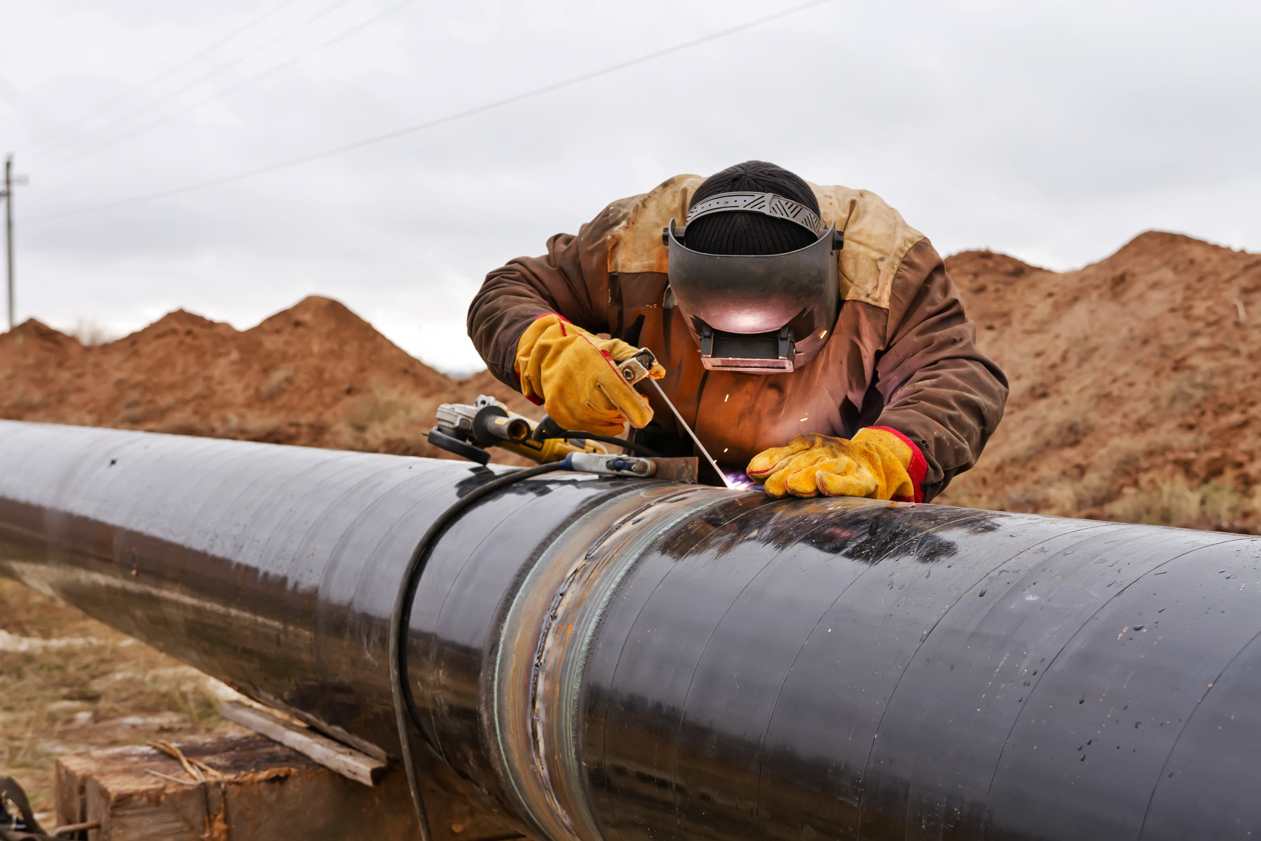 melgaard-construction-pipeline-welding.jpg