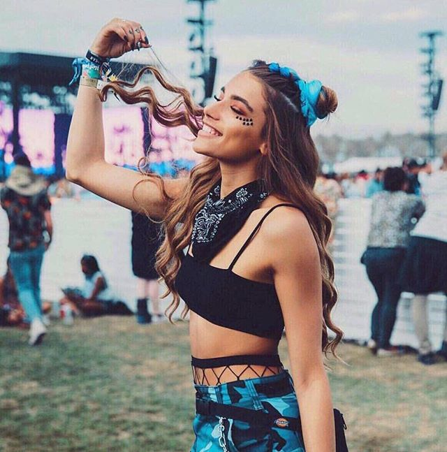 Let the music set you free 🎶🦋 #festivalhair #festivalstyle