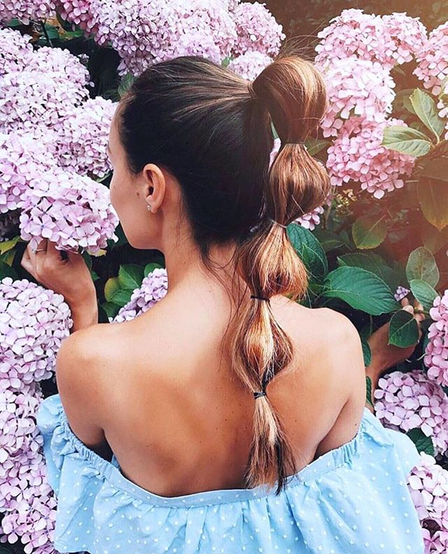 Don't forget to stop & smell the flowers 💐 #ponytailstyle #hairinspo