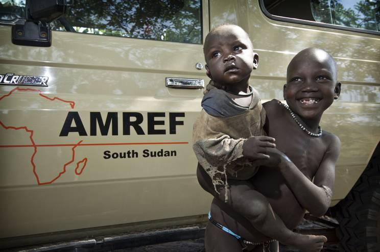 - AMREF Austria und AFS Flüchtlingshilfe Stiftung konnten die Kosten für die Reparatur eines dringend benötigten Land Cruisers aufbringen.