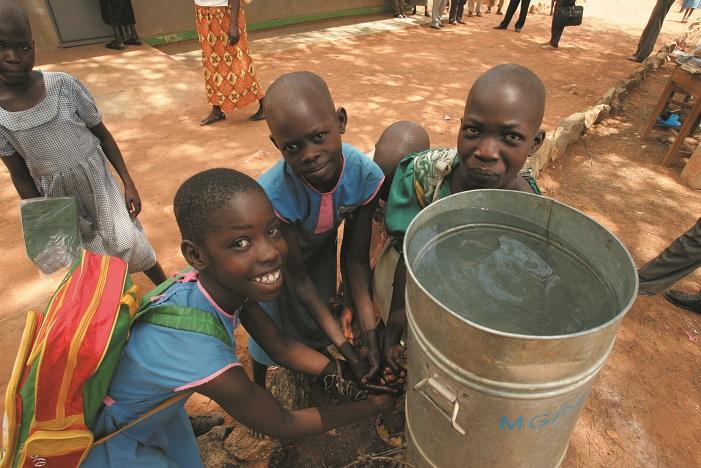 wasser-_Uganda_klein(1).jpg