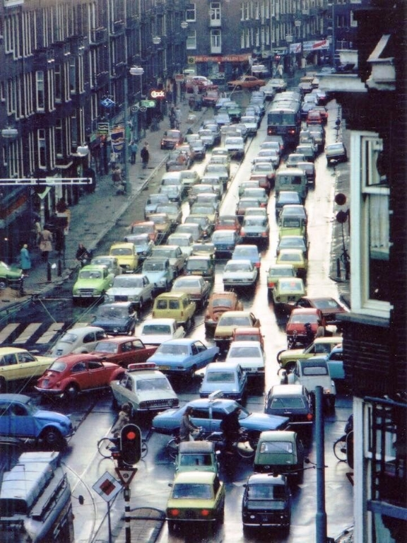 Zeeilstrat, Amsterdam in the 1970s.  When cars dominated the streets of Amsterdam.