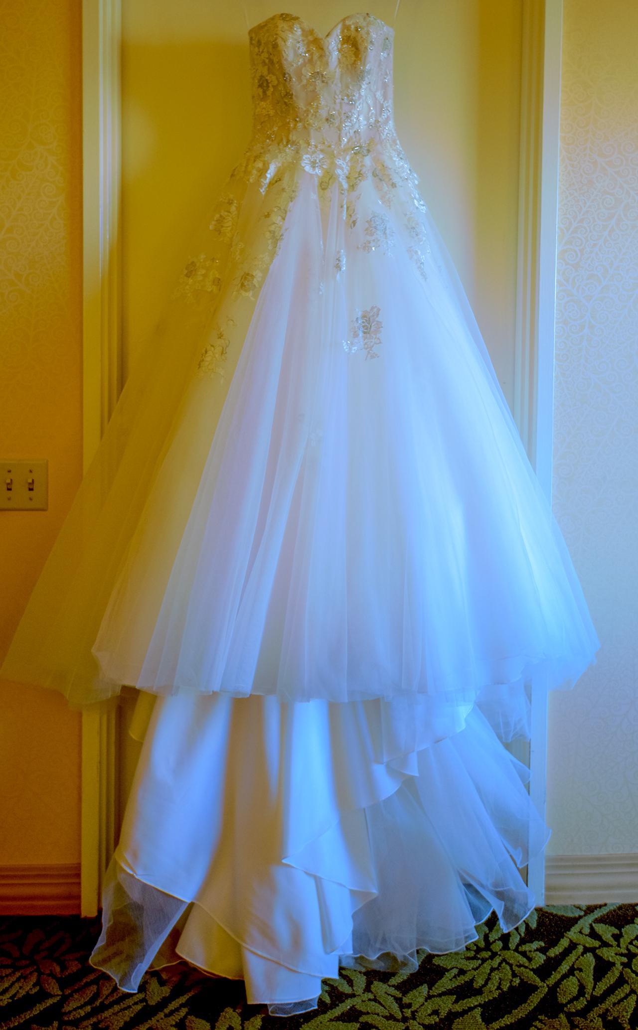 Brides wedding dress at Hilton Hawaiian Village