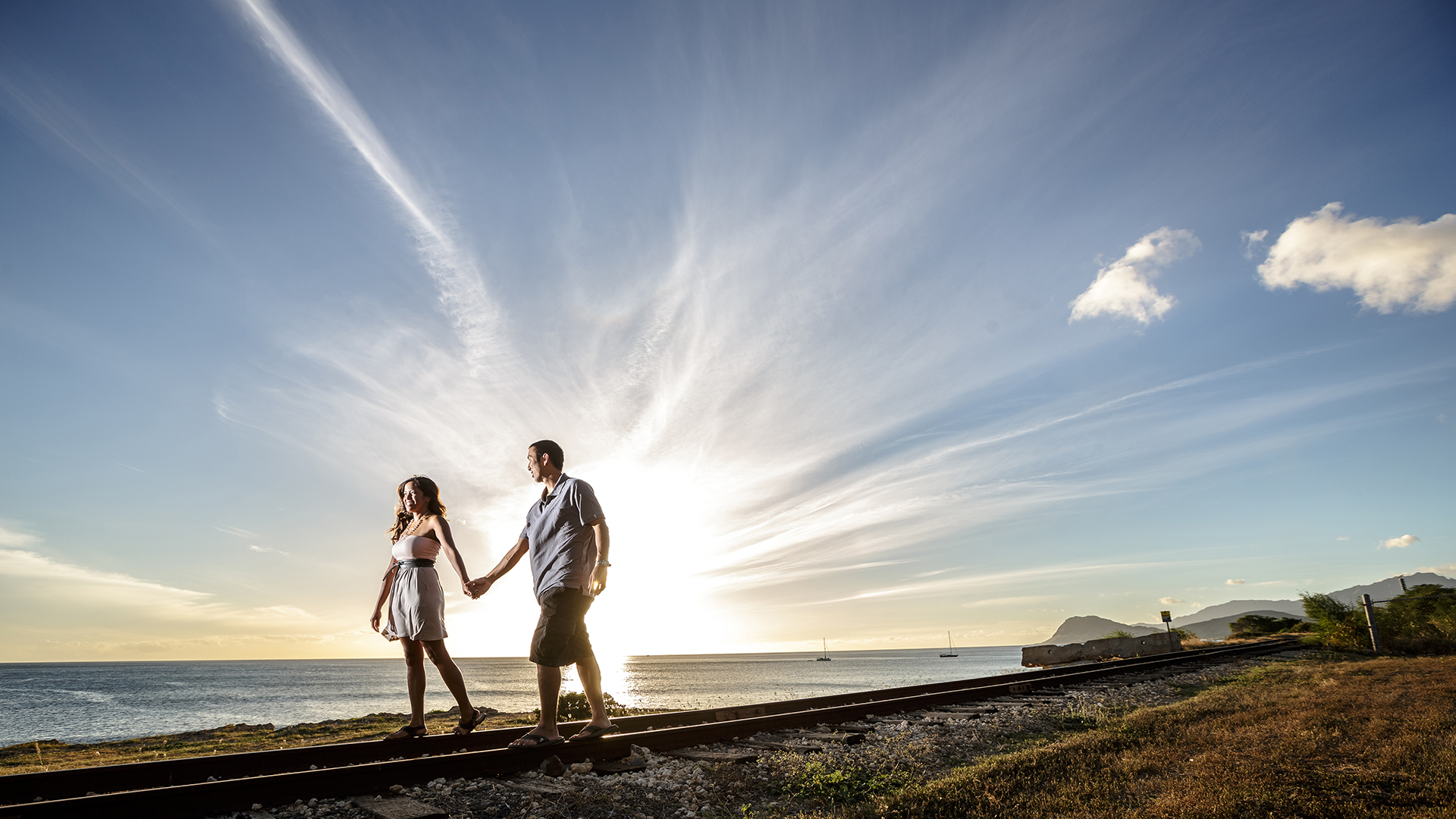 Engagement session at sunset. Ko'Olina, Hawaii.