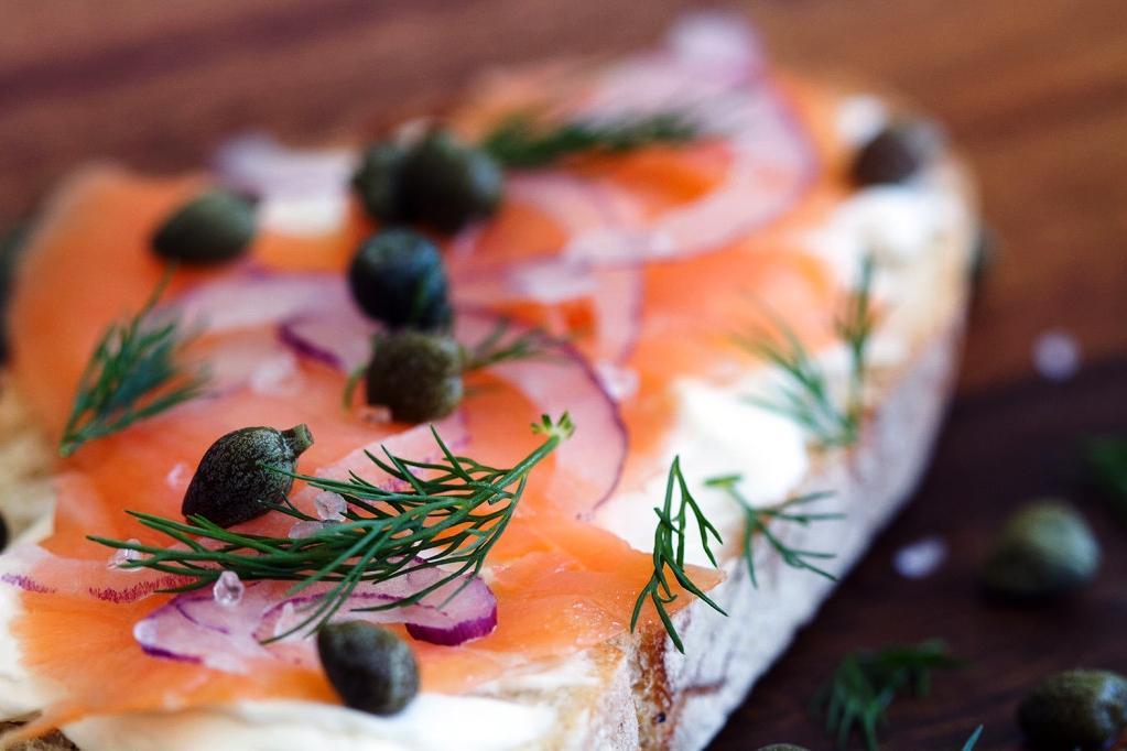 Toast-Salmon-Cream-Cheese-defocus.jpg